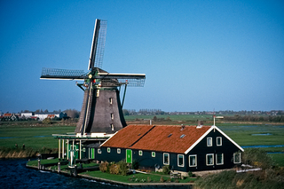 Windmill and farm at   Zaanse Schans, 2004